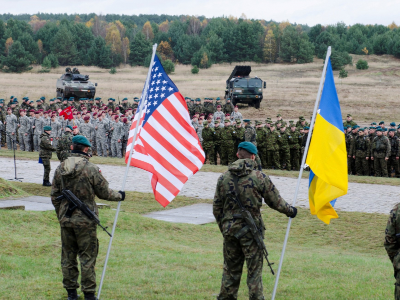 NATO Ukraina tomonida. Kiyev harbiy blokka qo'shila oladimi?
