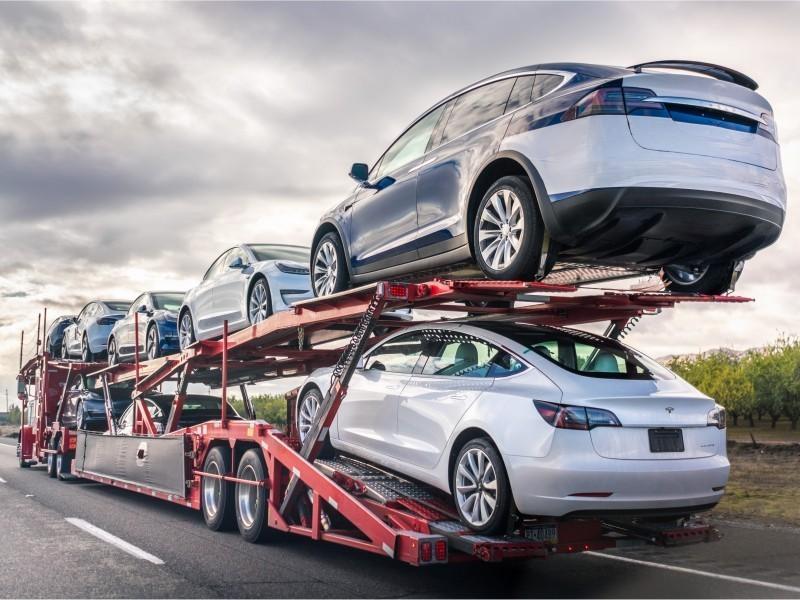 Ўзбекистоннинг енгил автомобиль импорти сезиларли камайди