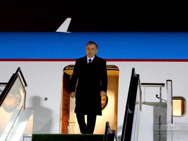 Президент икки давлатга сафарини якунлаб Тошкентга қайтиб келди