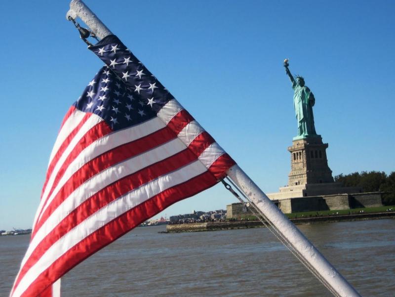 """""""Америка сеҳрли диёр"""". АҚШ элчихонаси виза бўйича чекловни узайтирди"""
