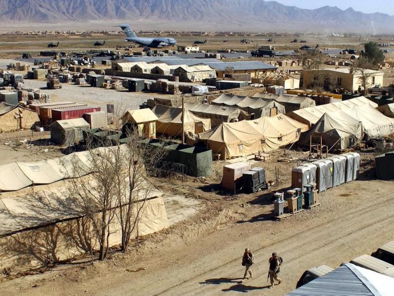 НАТО кучлари Афғонистондаги асосий ҳарбий базасини тарк этди