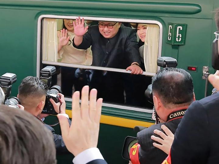 Kim Chen In Donald Tramp bilan uchrashuvga zirhlangan poyezdda yo'l oldi