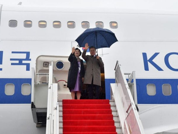 Жанубий Корея Президенти Ўзбекистондан Қозоғистонга жўнаб кетди