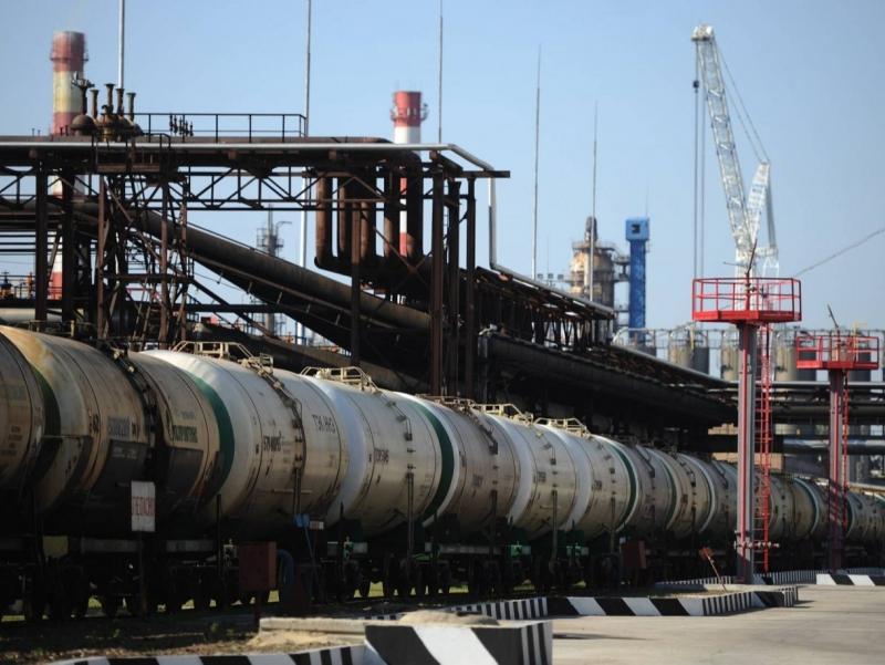 Россия Украина санкцияларига нефть билан жавоб қайтарди