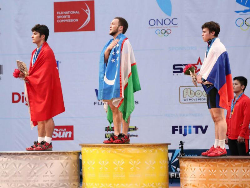 Ўзбек спортчиси Жаҳон чемпионатида 3 та олтин медални қўлга киритди