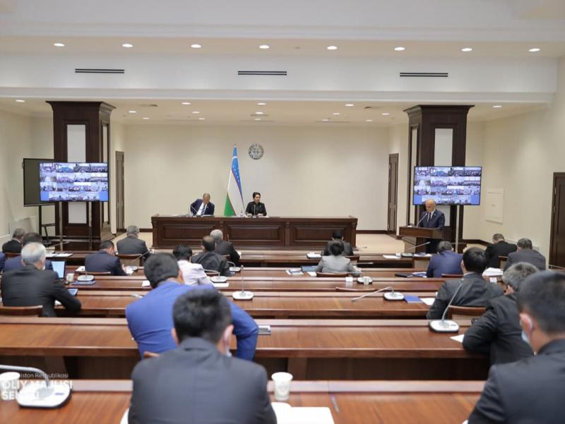 Senat Xalq deputatlari Qarshi tuman Kengashining qarorini bekor qildi