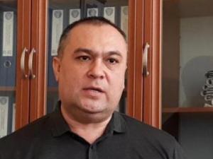 Фарғонада ИИБ бўлим бошлиғи ходимларига адвокатни олиб чиқиб ташлашни буюрди