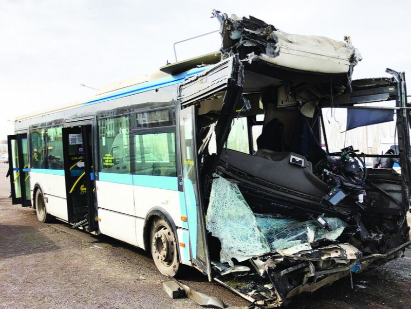 Автобус ҳалокатида 60 киши жароҳат олди