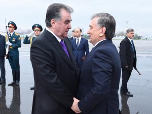 Шавкат Мирзиёев Имомали Раҳмонни табриклади