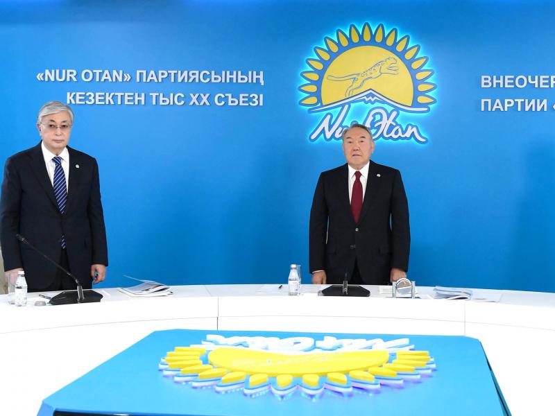 Nazarboyev xalqni To'qayev atrofida birlashtirish va Qozog'iston yaxlitligini saqlashga ishontirmoqda