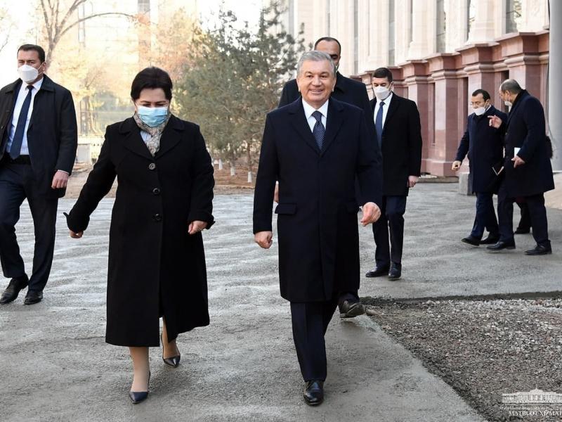 Prezident Senatning yangi binosi qurilishini ko'zdan kechirdi