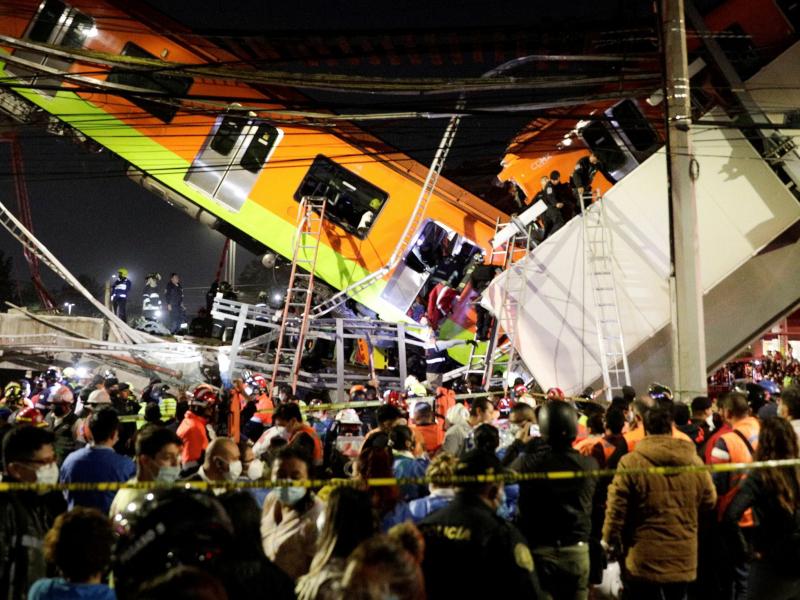 Мексикада метро кўприги қулади. 15 киши қурбон бўлди (видео)