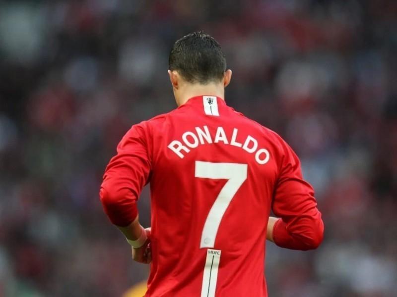 """Роналду йўналишни ўзгартирди. У """"Ман Юнайтед""""га қайтмоқчи"""