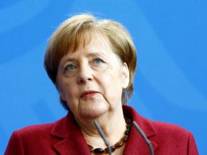 Меркель муроса йўлини излаяпти, Россия нима деркан?