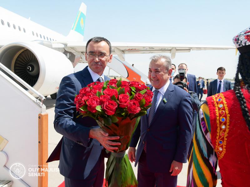 Qozog'iston Parlamenti Senati raisi Toshkentga keldi