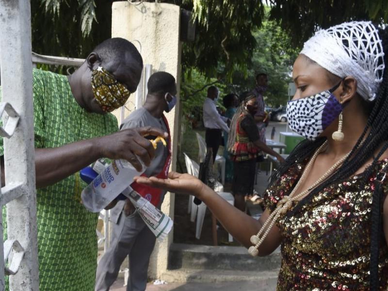 Yana bir Afrika davlatida koronavirusning yangi turi aniqlandi