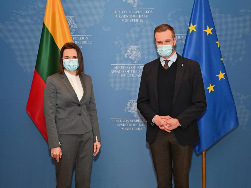 Литва Тихановскаяни Беларусга топширишдан бош тортди