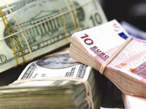 Доллар ва евро курси ишонч билан ўсишда давом этяпти