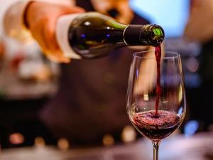 Табиий вино маҳсулотлари рекламасига рухсат берилади