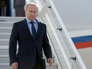 Путин видолашиш учун Францияга боради