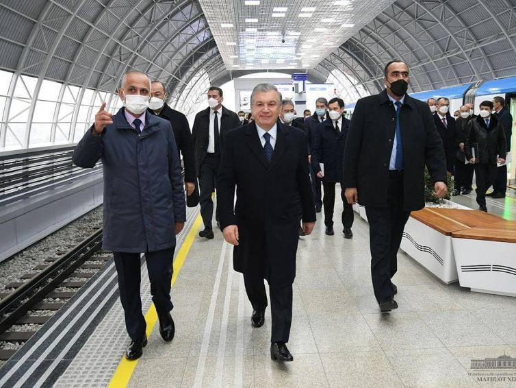 Президент Тошкент метросининг Сергели йўналишини очиб берди