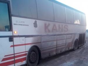 ТИВ: Ақтўбеда 50 нафар ўзбекистонлик бўлган автобус бузилиб қолган