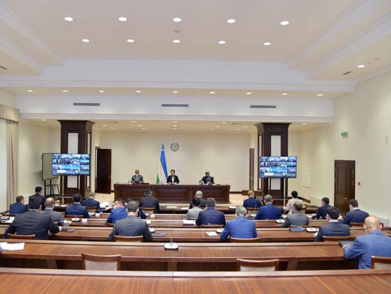Senat yalpi majlisi Musa Yerniyazovni xotirlash bilan boshlandi