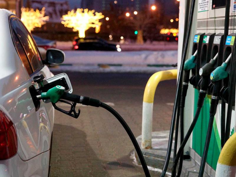 Маҳаллий бензин нега қиммат? Вазирлик жавоб берди