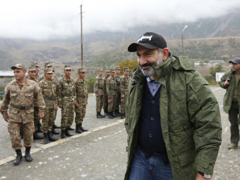 Пашинян Озарбайжон билан чегарада вазият кескинлашаётганини айтди