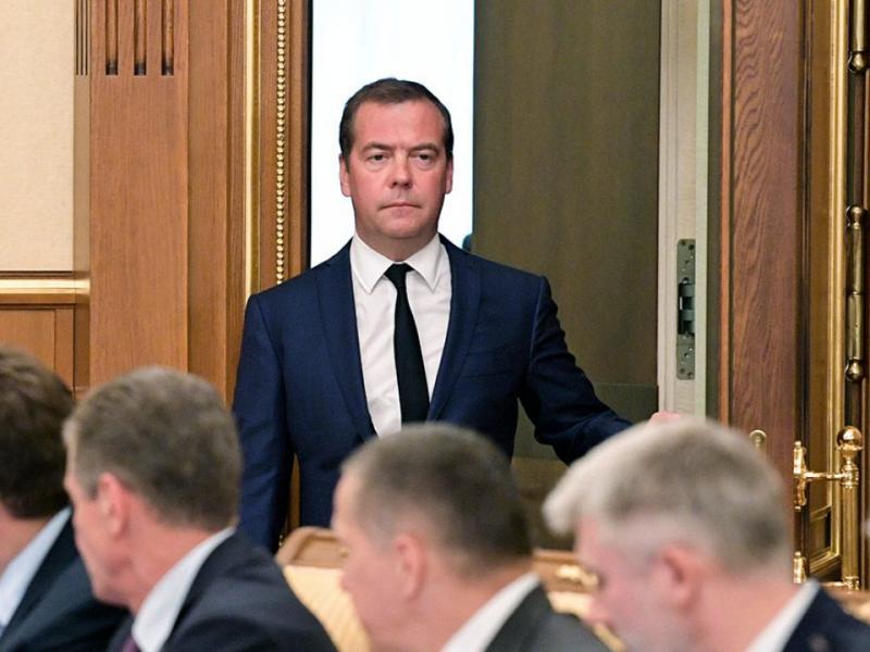 Медведев РФ Ҳукумати нега истеъфога чиққанини тушунтирди