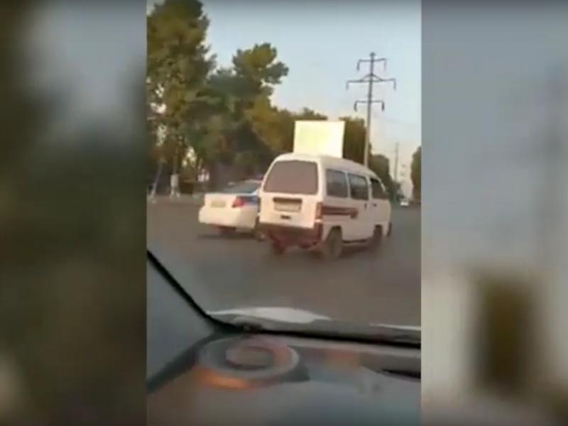 Видео: Тошкентда ҳайдовчи ЙПХ ходими билан мушук-сичқон ўйнади