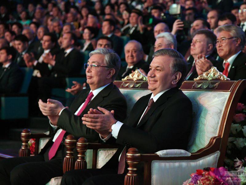 Шавкат Мирзиёев Қозоғистон Президенти билан мулоқот қилди