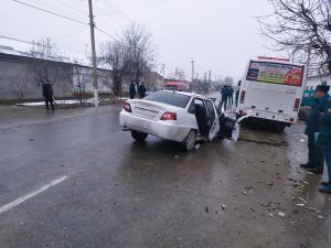 Nexia ва 30 йўловчиси бор автобус тўқнашди