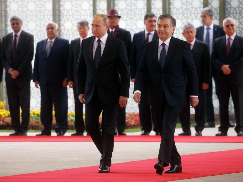 Мирзиёев Путинни табриклади