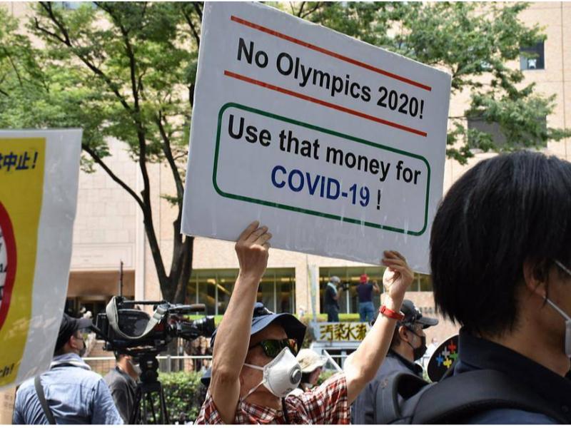 """""""Pulni koronavirusga qarshi kurashga sarflang"""" — Tokioda Olimpiadaga qarshi namoyishlar bo'lib o'tdi"""