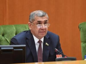 Сенат Бош вазир ўринбосарига парламент сўрови юбормоқчи