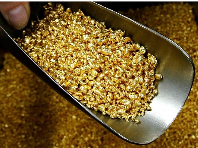 Бир ҳафтада 8 килограммдан ортиқ олтин сотилди