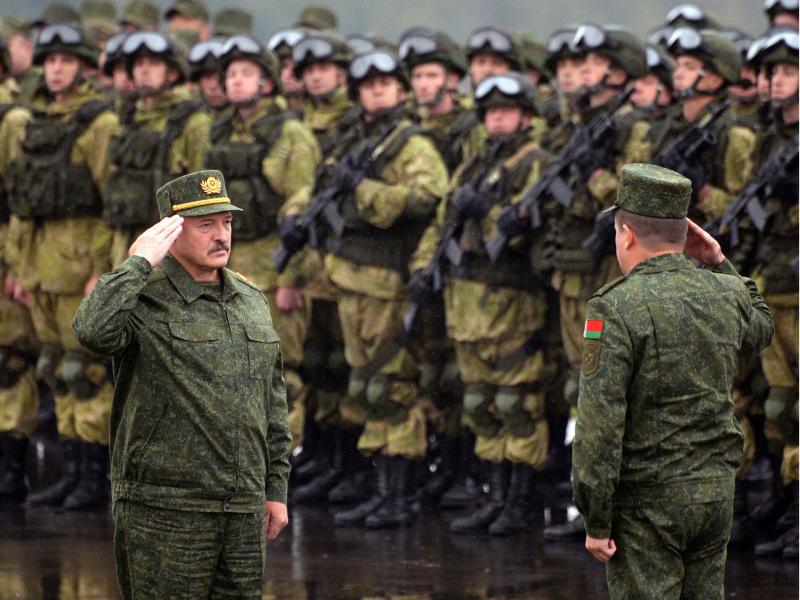 Лукашенко Беларусда уруш нимадан бошланиши мумкинлигини айтди