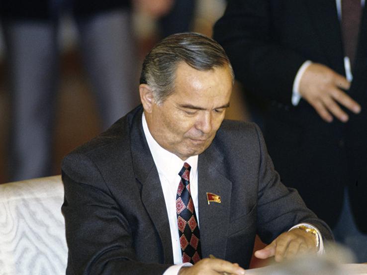 """Islom Karimov: """"O'zbekistonning boyligi 40-50 million aholini boqishga yetadi"""" (video)"""