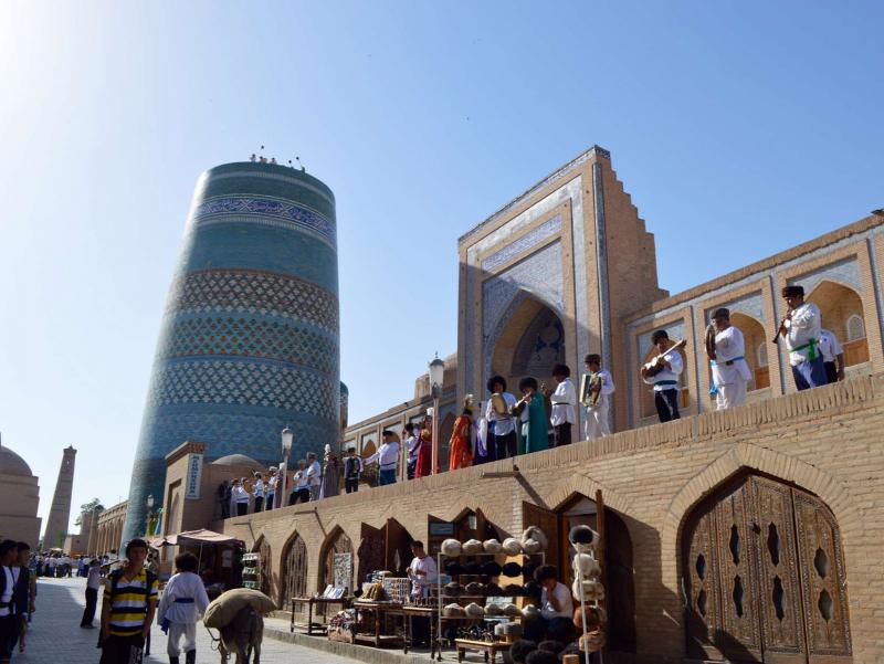 """1 iyundan """"yashil"""" va """"sariq"""" toifadagi hududlarda ichki turizm tiklanadi"""