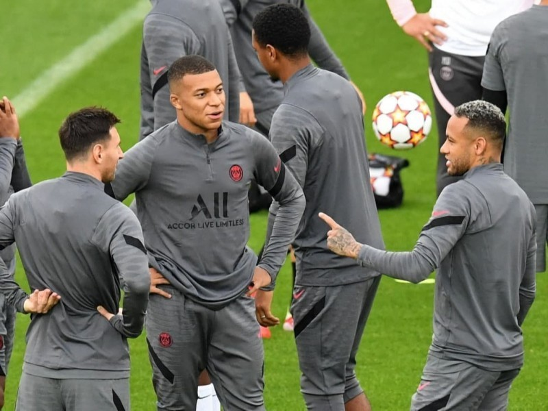 Mbappe, Neymar va Messi uchligi PSJ hujumini kuchsizlantiradi – Ouen