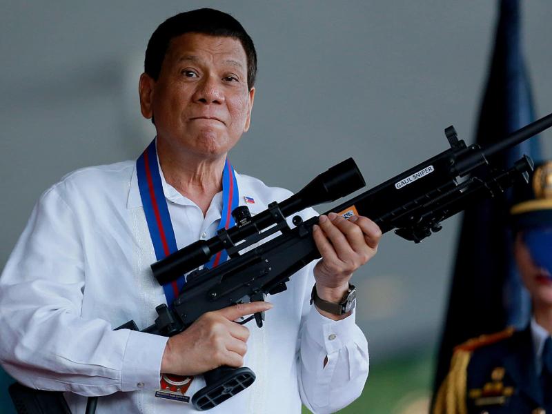 Филиппин Президенти карантин қоидасини бузганларни отишга буйруқ берди