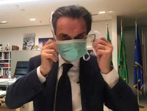 Италия губернаторларидан бири карантинга олинди