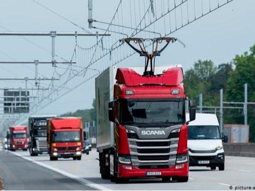 Германияда биринчи электр йўллари очилди