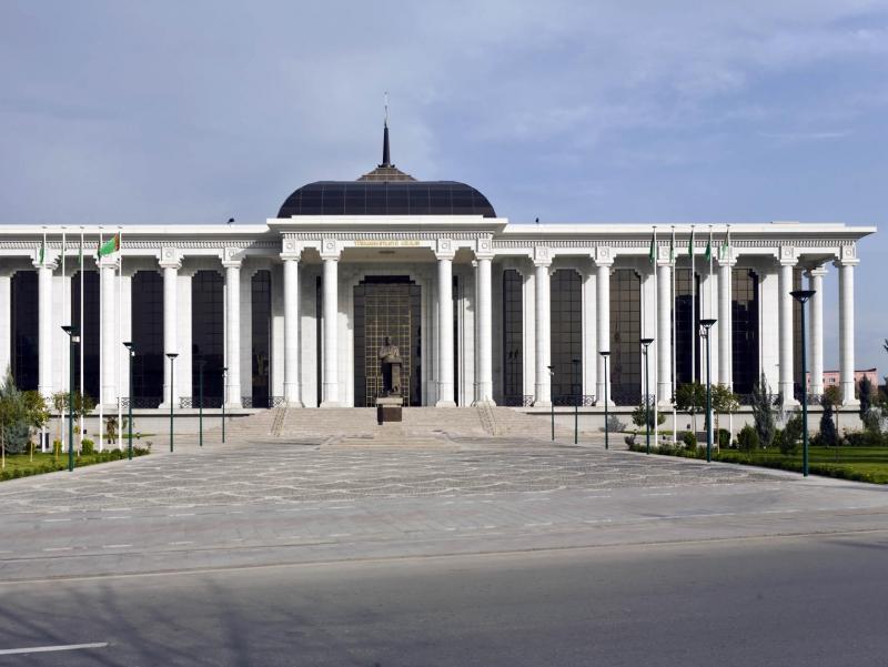 Туркманистонда икки палатали Парламент тузилади