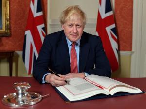 Борис Жонсон Brexit тўғрисидаги қонунни имзолади