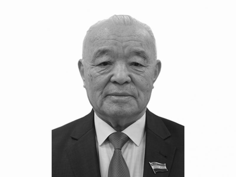 Сенатор Шарап Уснатдинов вафот этди