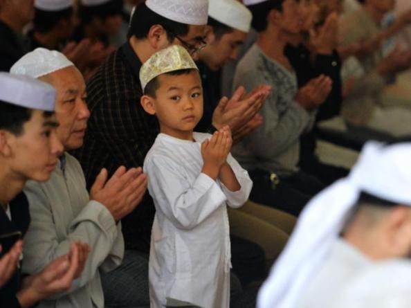 Xitoy musulmonlari AQSHning Shinjon qonuniga qarshi norozilik bildirmoqda