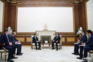 """Шавкат Мирзиёев """"Росатом"""" бош директорини қабул қилди"""