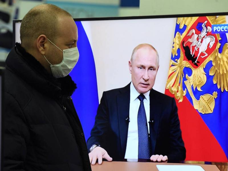Кремлдаги люкс карантин: Путинни коронавирусдан сақлаш учун қанча пул сарфланган?